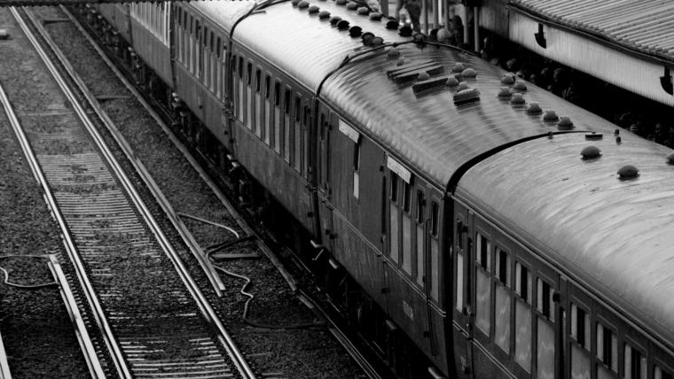 "<a href=""/our-solutions/#railways"">Railways</a>"
